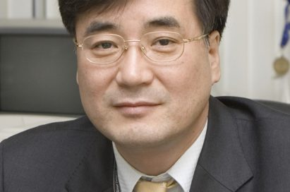 A headshot of Havis Kwon, president of the Home Entertainment company at LG