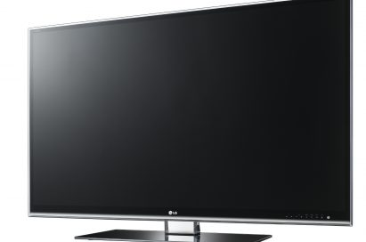 A right-side view of LG Full HD 3D-enabled HDTV INFINIA LW9500