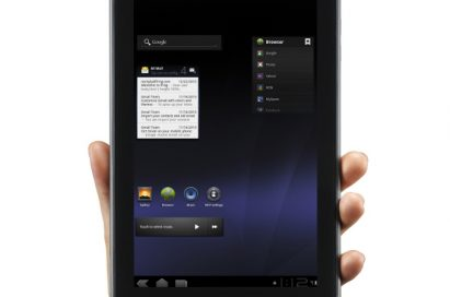 Holding LG Optimus Pad vertically in one hand