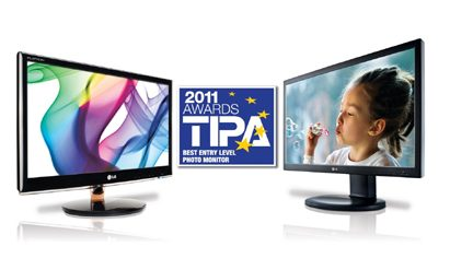 Two LG SUPER LED IPS monitors, IPS231 and IPS23, at either side of the TIPA 2011 Awards logo.
