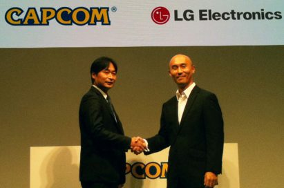 Representatives of LG Electronics Mobile Communications Company and CAPCOM are shaking hands
