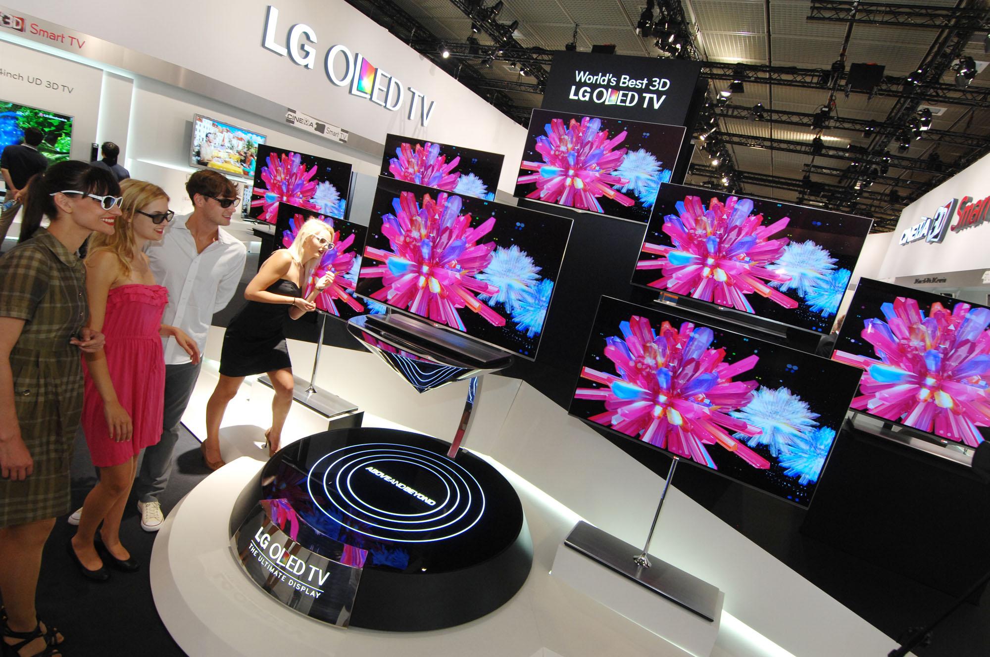 LG OLED TV at IFA 2012 (1)