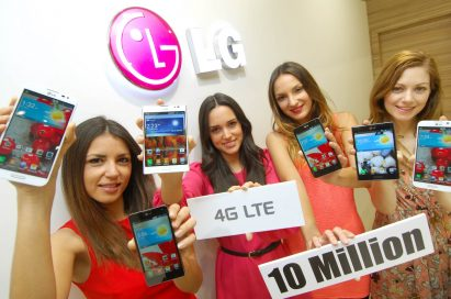 Four female models are holding various LTE smartphone of LG celebrating that LG has sold more than 10 million LTE smartphones worldwide.