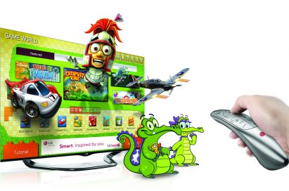 Game World presented on the LG CINEMA 3D SMART TV with a hand using the LG Magic Remote
