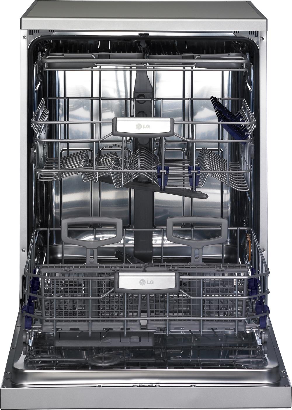A look inside LG's TrueSteam™ Dishwasher.