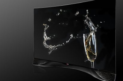 A right-side view of the LG CURVED OLED TV displaying its pixel dimming technology featuring Swarovski Crystal Stand
