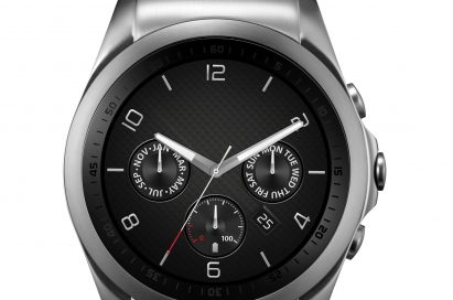 A front view of LG Watch Urbane in silver color.