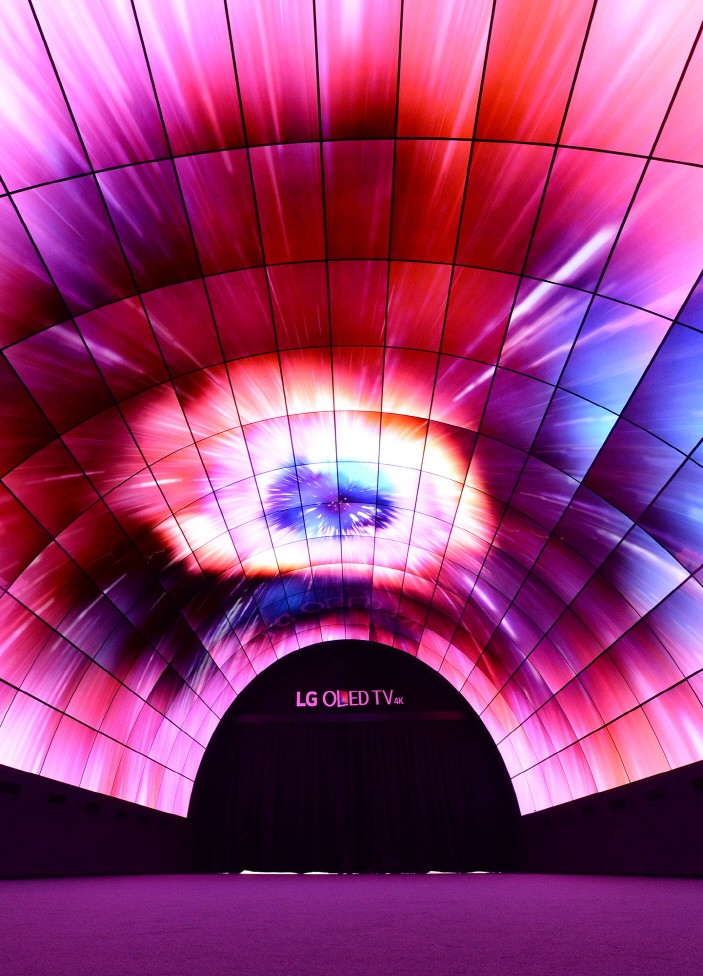A closer picture of the LG OLED Tunnel displaying an exploding star at IFA 2016