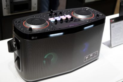 Side view of LG's LOUDR Party speaker system RK8
