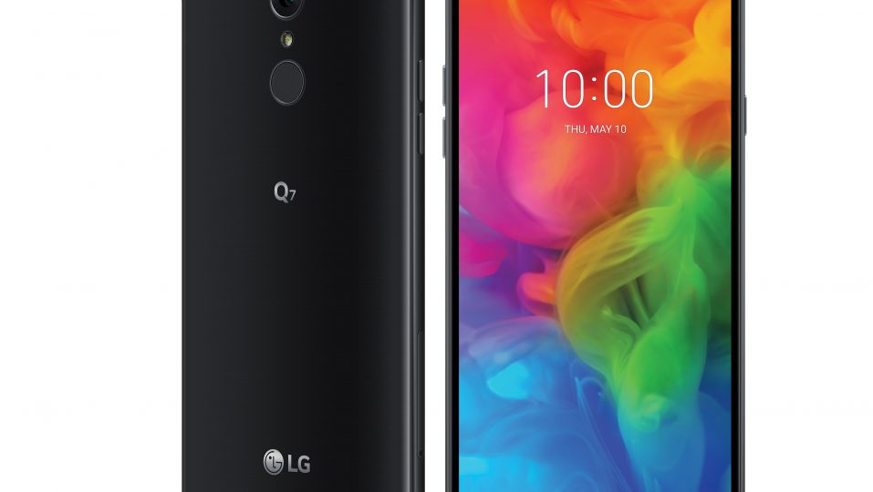The rear and front view of the LG Q7 in Aurora Black