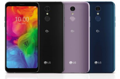 The front and rear view of the LG Q7 in Aurora Black, Moroccan Blue and Lavender Violet, side-by-side