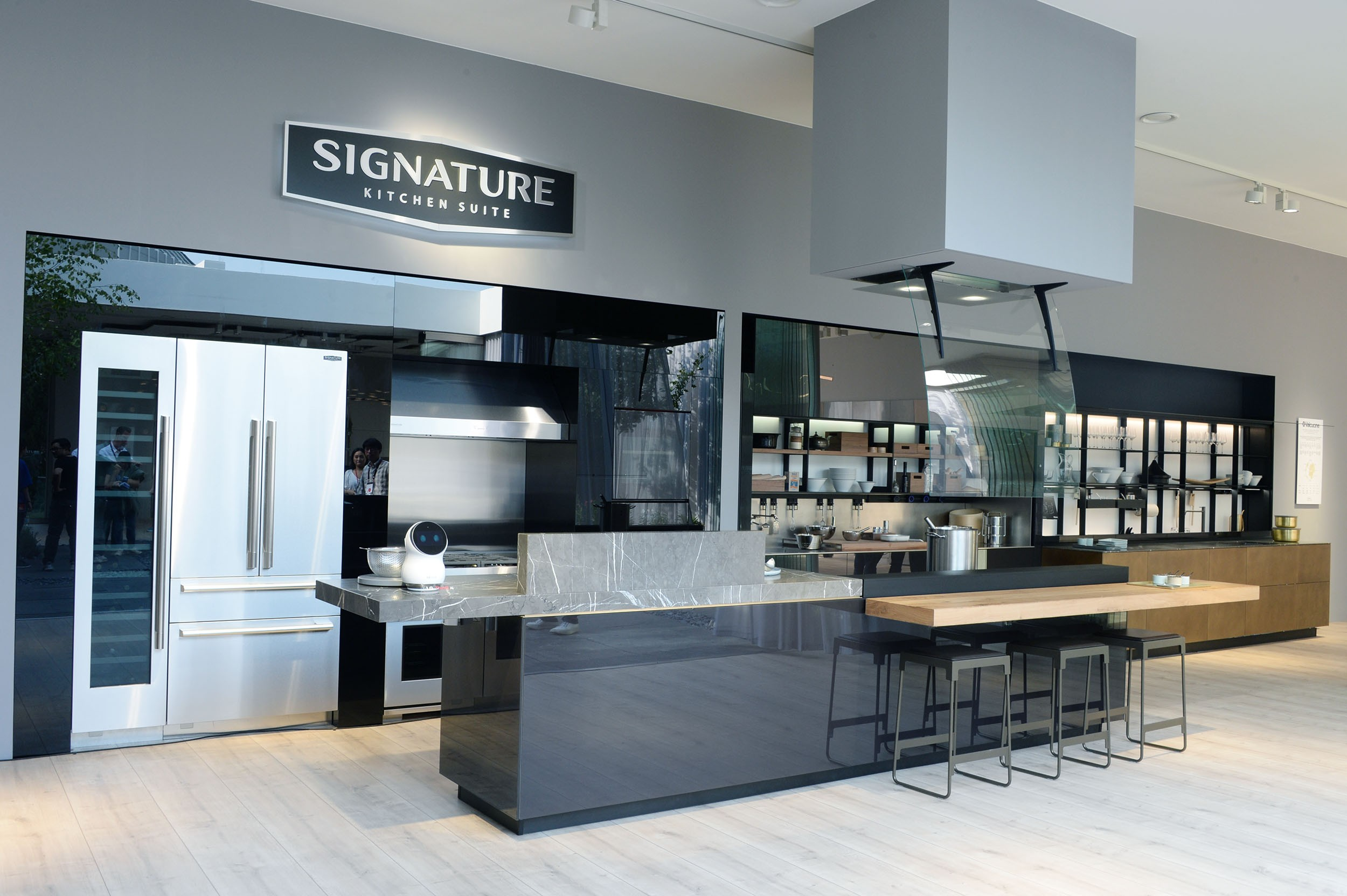 SIGNATURE KITCHEN SUITE's exhibition hall cooperated with Valcucine at IFA 2018