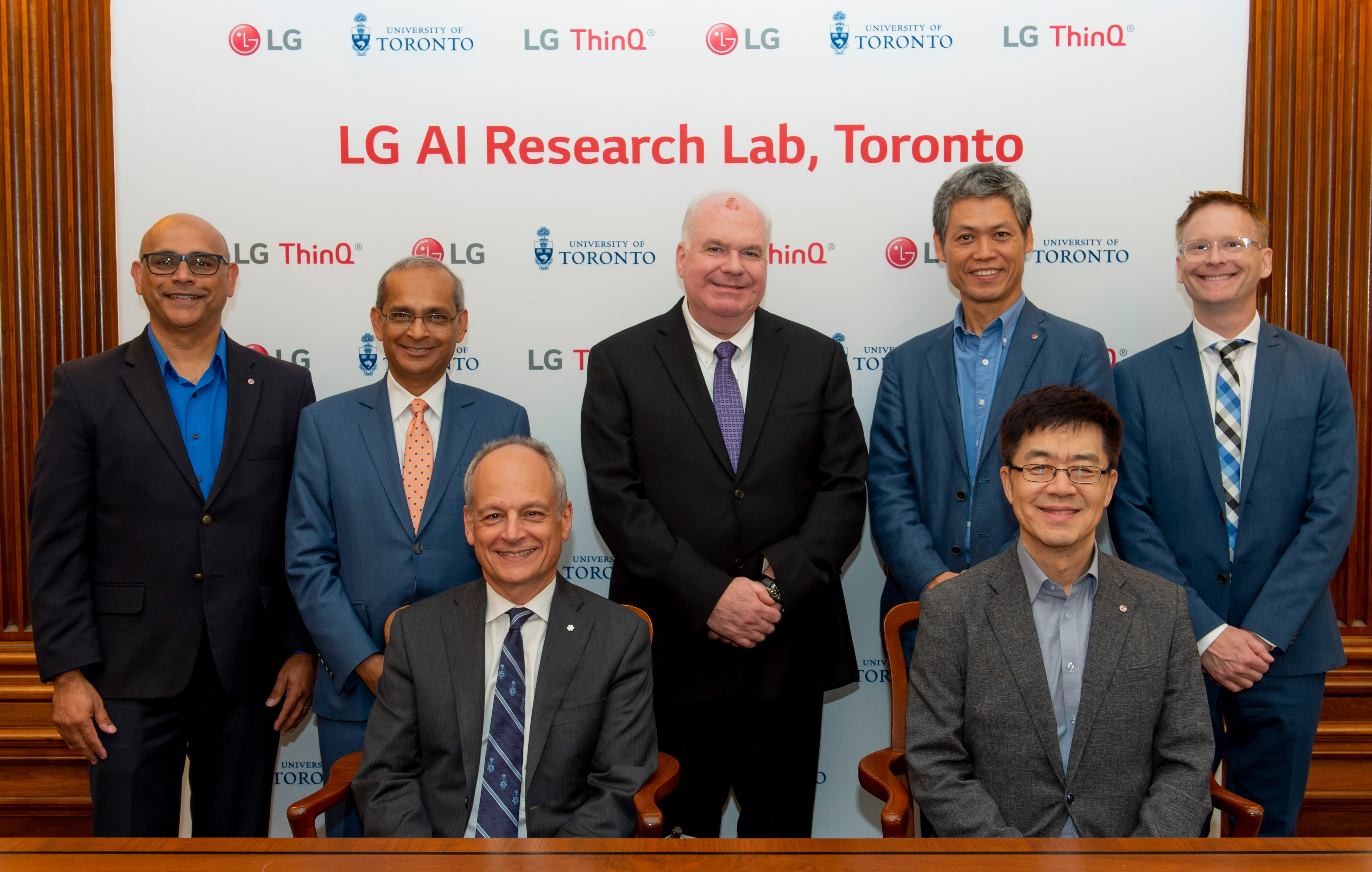 LG Electronics president and chief technology officer, Dr. I.P. Park, and University of Toronto president Meric Gertler, pose with delegates for a group picture.