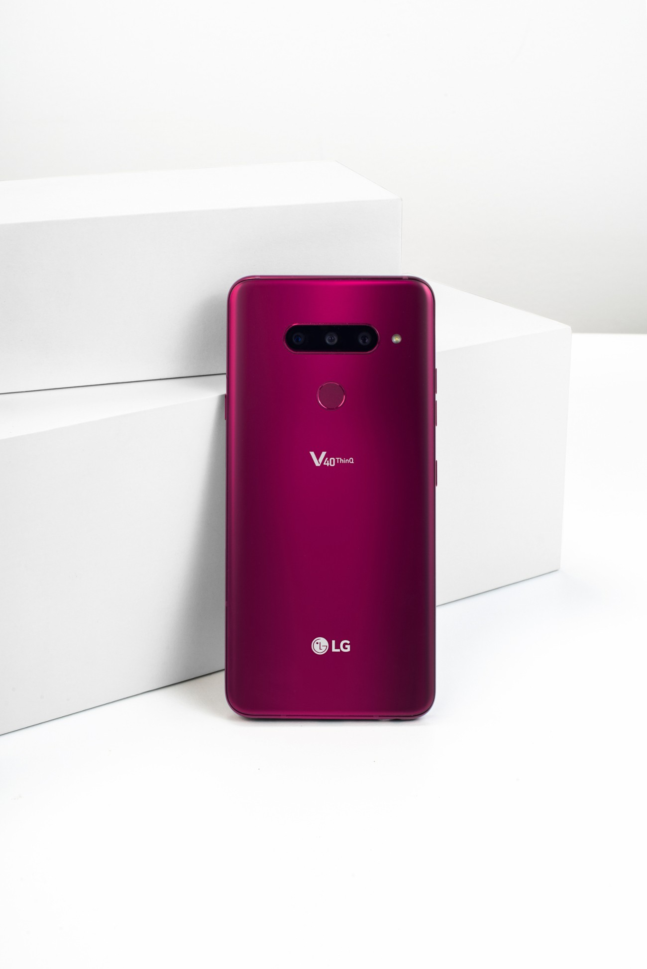 The rear view of the LG V40 ThinQ in Carmine Red