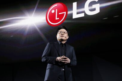 Another view of Ahn Seung-kwon, Chief Technology Officer of LG Electronics discussing the company's AI smart appliances during LG Press Conference at CES 2017
